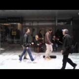 Тројца шизици во ГТЦ Скопје им влегуваат со песна на музичарите