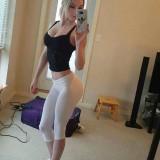 sexy_girls_rocking_yoga_pants_640_11