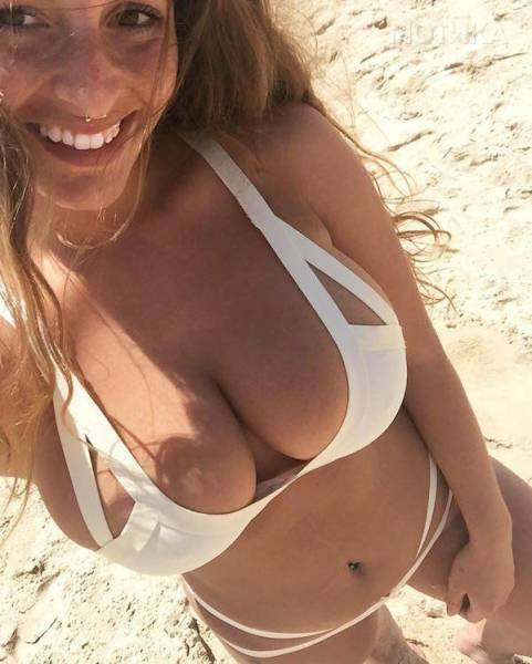 boobs_like_these_are_gods_gift_to_men_640_10