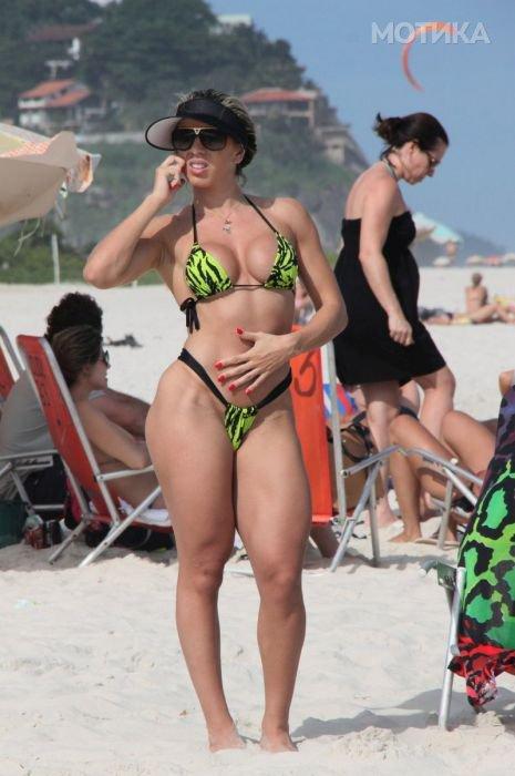 girls_brazil_beach_06