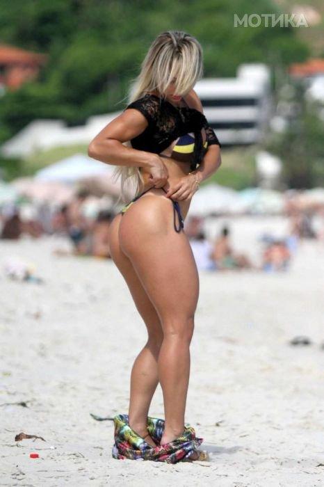 girls_brazil_beach_07