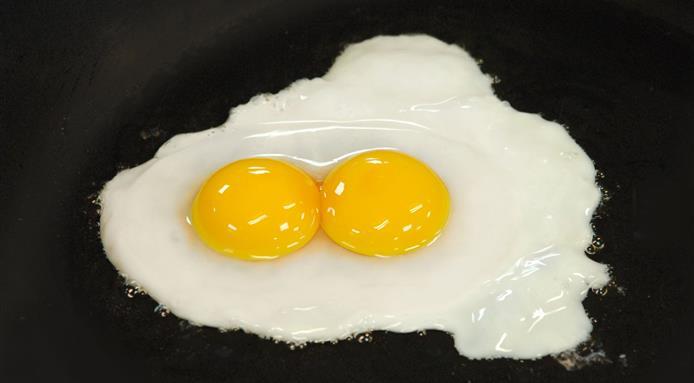 Народни верувања  Што значи кога ќе најдете јајце со две жолчки