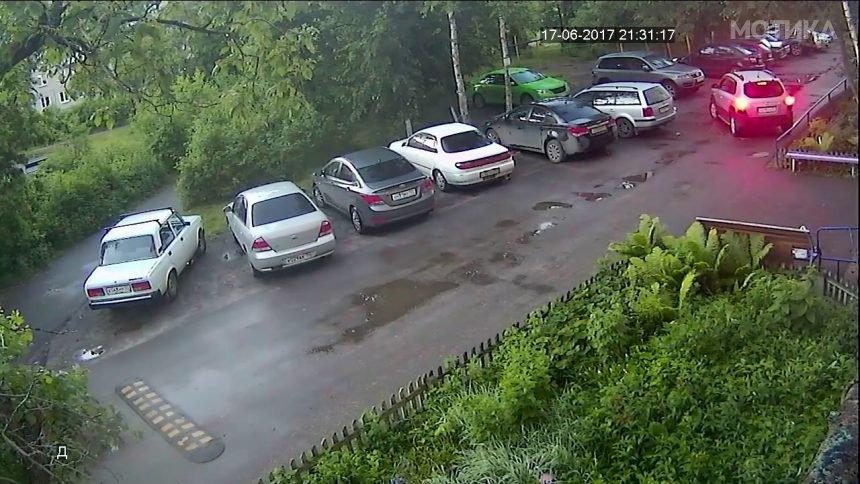 Русин му држи лекција на комшијата кој се паркирал на неговото место