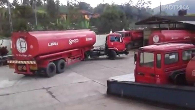 profi-vozach-na-kamion-cisterna-ke-vi-pokazhe-kako-se-pravi-polukruzhno-svrtuvanje