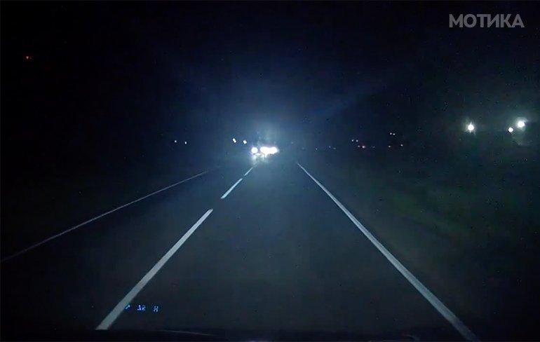 Ноќна прошетка по патот, не е добра идеја!