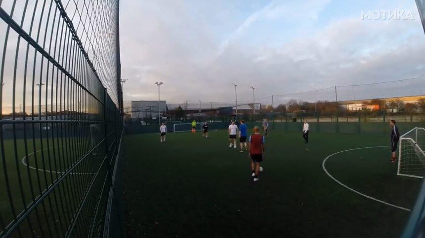 Прекрасен гол на фудбалски натпревар со другарите