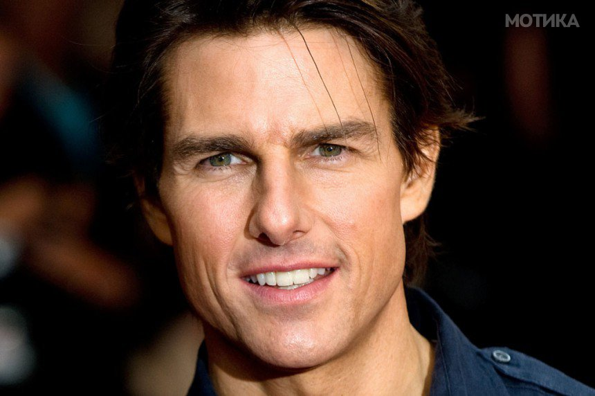 10-Celebrities-Who-Are-Extremely-Religious-Tom-Cruise-1024x682