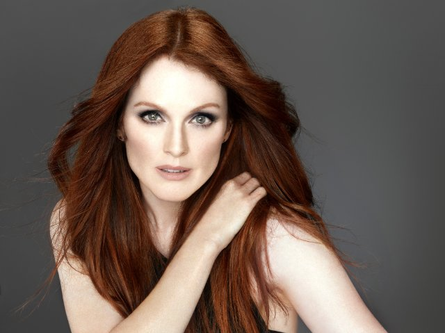 10-Celebrities-You-Didnt-Know-Were-Atheists-Julianne-Moore