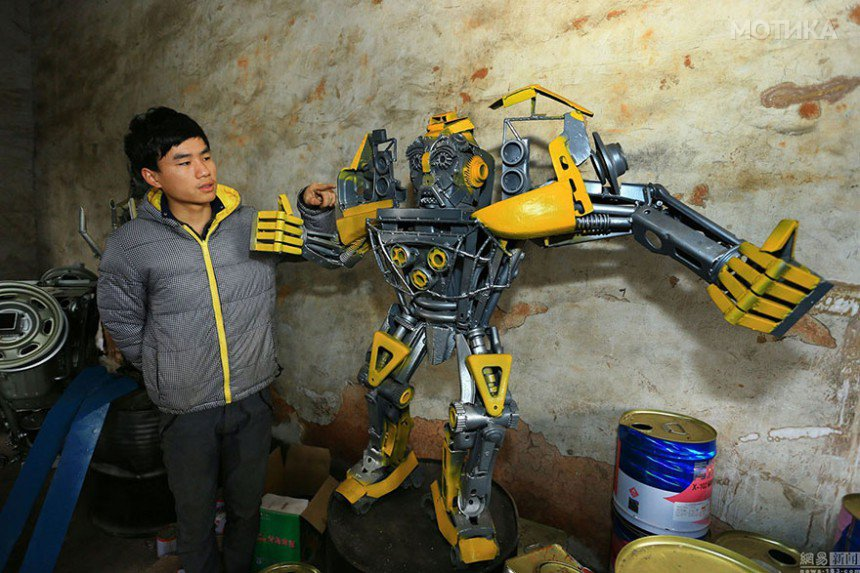 recycled-scrap-metal-sculpture-transformers-father-son-farmer-china-5