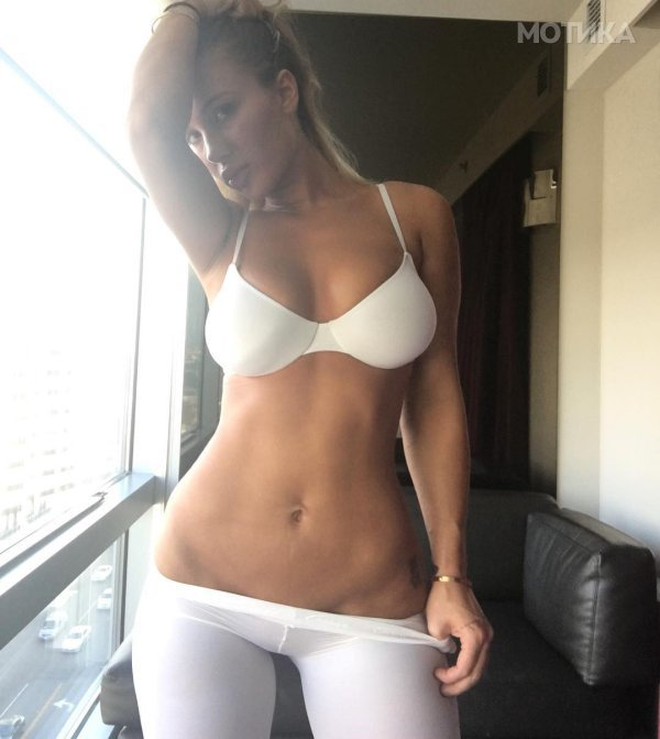 if-you-look-up-squish-in-the-dictionary-youll-find-musician-niykee-heaton-2__800