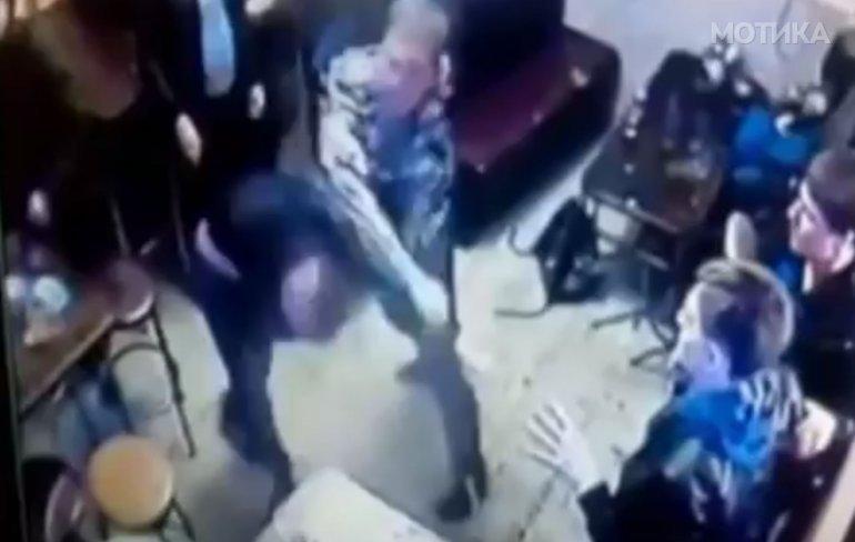Мала расправија меѓу цивилизирани полнолетни луѓе во ресторан во Москва